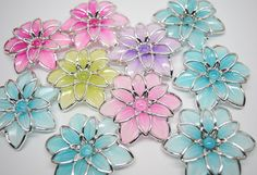 Mosaic Tile Mania - The world's largest selection of hand cut, stained glass mosaic tiles & mosaic supplies.