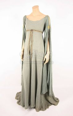 the foxling: King Arthur Costumes
