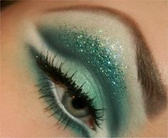 #green #eye #eyeshadow #glitter