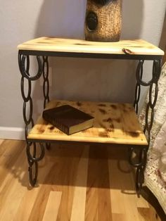 Horse shoe end table