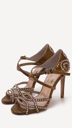 Nuevas sandalias casual de Edición Limitada !!!!❤️ Si esta interesada, por favor visita nuestras tiendas oficiales o escríbenos a: pedidos@reinadanza.com  #ZapatosdeVerdad #HechosAmano #MujerActual #SinPalabras #MisZapatosSonUnicos #ReinaArtesanos #ZapatosPersonalizados #SonParaTi #ManuelReina #Goya30 #FelizMiercoles #PasionPorLaModa #SonParaMi #LosQuiero #Bailarinas #Francesitas #ZapatosCasual #LocaPorLosZapatos #elegante #tendencia #casualshoes
