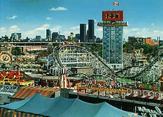 CNE Midway postcard - Bulova Tower, The Flyer, Toronto Skyline Roller Coaster Pictures, Roller Coasters, Best Amusement Parks, Toronto Ontario Canada, Bob, Great Places, Beautiful Places, North America, Travel
