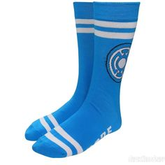 The Green Lantern Blue Lantern Hope Socks are for those of you who wish to yield the Blue Light of Hope from Odym! You don't even need to look to the stars. Blue Lantern Corps, Red Lantern, Lanterns, Light Blue, Geek Stuff, Socks, Super Heros, Green, Geek Things