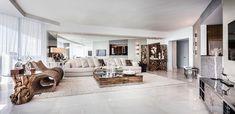 Vue panoramique sur le salon de cet appartement de luxe floridien