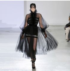Witch Outfit, Parisian Chic, Haute Couture Fashion, High End Fashion, Fashion Show, Fashion Design, Dream Dress, Beautiful Outfits, Ready To Wear