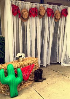 Cowboy theme party photo booth by yours truly! Such a quick and easy idea when planning a last minute photo booth. Rodeo Party, Cowboy Theme Party, Cowboy Birthday Party, Cowgirl Birthday, Pirate Party, Wild West Theme, Wild West Party, Country Themed Parties, Western Parties