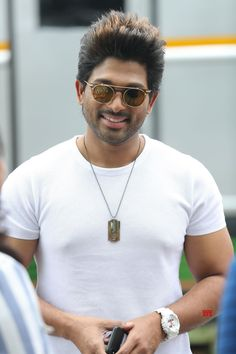 Cute Baby Girl Images, Cute Boys Images, Actor Photo, Actor Picture, Hair Designs For Boys, Mr And Mrs Ramachari, Allu Arjun Hairstyle, New Photos Hd, Dj Movie