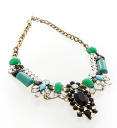 This statement piece adds a rich and regal touch to your outfit. Perfect for dinner events.