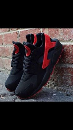 Nike Huaraches. Black and red huaraches will caress my feet shortly