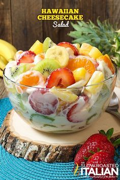 hawaiian food recipes Hawaiian Cheesecake Salad comes together so simply with fresh tropical fruit and a rich and creamy cheesecake filling to create the most glorious fruit salad Cheesecake Fruit Salad, Fruit Salad Recipes, Hawaiian Cheesecake Salad Recipe, Cheesecake Pudding, Jello Salads, Creamy Fruit Salads, Healthy Fruit Salads, Easy Fruit Salad, Cream Cheese Fruit Salad