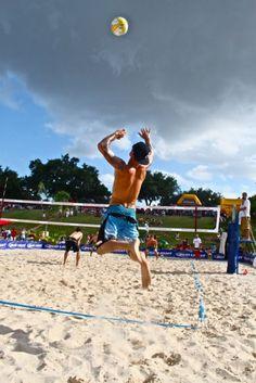 Tim Wooliver beach volleyball