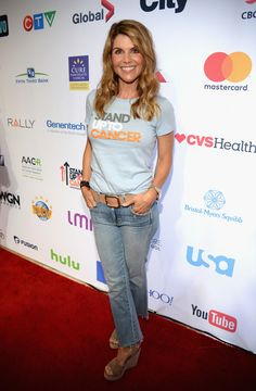 Lori Loughlin Pictures Hollywood Unites for the Biennial Stand Up to Cancer Event a Program of the Entertainment Industry Foundation (EIF) - Red Carpet - Lori Loughlin, Starred Up, Daily Photo, In Hollywood, Jeans, The Cure, Cancer, Fashion Accessories, Celebrities