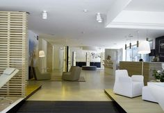 Solid surface showroom and valencia on pinterest for Showroom grohe barcelona