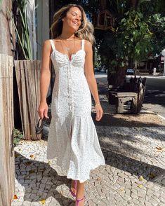Dress Outfits, Fashion Dresses, Timeless Fashion, Spring Summer Fashion, Bohemian Style, Dress Skirt, Beautiful Dresses, Ideias Fashion, White Dress