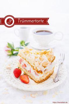 Kuchen Rezepte, Torten Rezepte, Norddeutsche Rezepte: Rezept für die heißgeliebte Trümmertorte aus Nordfriesland von herzelieb. Einfach zu backen und im Sommer immer wieder erfrischend! #torte #kuchen #nordfriesland #dänemark