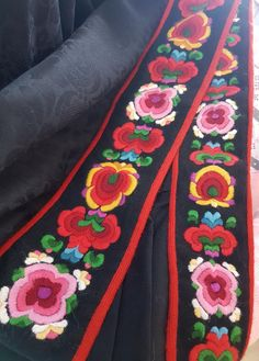 Folk Clothing, Embroidery, Clothes, Embroidery On Jeans, Velvet, Outfits, Needlepoint, Clothing, Kleding