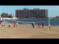 Morning exercises on the beach  of Torrevieja (Spain) / Утренняя зарядка на пляже Торревьехи (Испания)