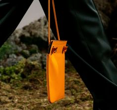 Hermès Makes Some Curious Decisions with Its Pre-Fall 2018 Runway Bags 1fd53f3682bd0