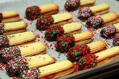 What Are Some Healthy Snacks For Kids? Jelly Cookies, Jam Cookies, Spritz Cookies, Sandwich Cookies, Italian Butter Cookies, Italian Cookie Recipes, Butter Cookies Recipe, Italian Foods, Raspberry Cookies
