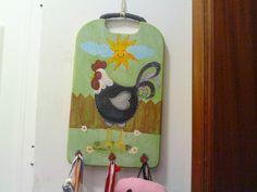 Criadora Implacável: De tábua de cozinha a Cabide com pintura country