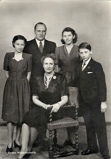 King Olav V with his wife Queen Martha and their 3 children, Princess Ragnhild, Princess Astrid and Crown Prince Harald