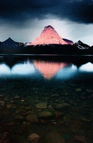 Sinopah Mtn, Glacier National Park in the U.S. state of Montana.