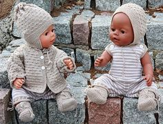 Knitting pattern fits dolls like Baby Born og Chou Chou Knitting Dolls Clothes, Crochet Doll Clothes, Doll Clothes Patterns, Knitted Doll Patterns, Knitted Dolls, Knitting Patterns Free, Knitting For Kids, Knitting Projects, Baby Knitting