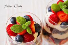 Ovocný pohár s mascarpone - Fruit Sundae With Mascarpone