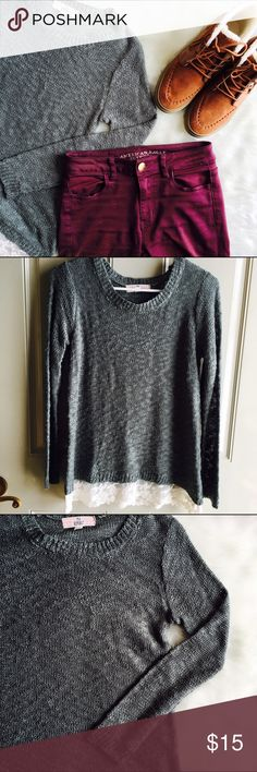 ⭐1 HR SALE!⭐💕PINK REPUBLIC SWEATER🎀 I purchased this from Kohls and only wore it a few times. It is in great condition with no flaws. It looks perfect with a pair of skinny jeans and some riding boots!  🚫No trades ✅Open to reasonable offers  💝Bundle and save! pink republic  Sweaters Crew & Scoop Necks