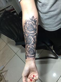 Rosen – # – Rosen – # – – tattoos for women meaningful Girly Tattoos, Cute Tattoos, Beautiful Tattoos, Body Art Tattoos, Hand Tattoos, Feminine Tattoos, Tatoos, Rose Tattoos For Women, Black Rose Tattoos