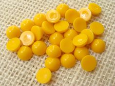 8mm macaroni yellow cabochon lot - small rounds, candy-button style