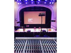 <a href='http://quantifiedselfie.us/yourfan/' target='_blank'>The story</a> was conceived and peformed at <a href='http://tapefest.org/' target='_blank'>Tapefest</a>, a live, unrecorded radio show at the Roulette Intermedium in Brooklyn.