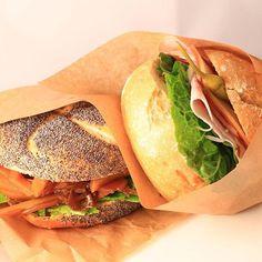 Lunch box today : ปิ่นโตวันนี้ : 今日のおべんと:Heutes Mittagessen เบอร์เกอร์2อย่าง(ผัดรากบัวกับมันฝรั่ง,แฮมกับเนยแข็ง) burgers(Teriyaki Potatoes&Lotus roots, Ham & cheese ) Burgers(Gebraten Lotuswurzel mit Kartoffeln, Schinken mit Käse) バーガー2種類(ジャガイモのきんぴら,ハム&チーズ)  #bento #obento #ปิ่นโต #海外生活 #ドイツ生活
