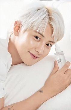 Park Chanyeol, Baekhyun, Korea News, Exo Official, Best Duos, Celebrity List, Exo Members, K Beauty, Chanbaek