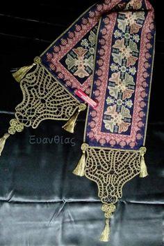 Εργόχειρο:Δια χειρός Ευανθίας. Λασέ, ροζέτες στις φούντες και τελειώματα:Δια χειρός Γιούλης.Κατάστημα:Χειροποίηση Χαλκίδας τηλ 2221074152 Bohemian Rug, Rugs, Crochet, Bed, Lace, Decor, Pattern, Crochet Hooks, Dekoration