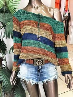 The post is in Finnish but links to the pattern (also in Finnish) which links to the free Ravelry pattern w Crochet Shirt, Crochet Cardigan, Knit Crochet, Knitting Patterns, Crochet Patterns, Hand Knitting, Mode Crochet, Crochet Woman, Knit Fashion