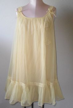 Vintage Nightgown Baby Doll Short Gown
