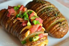 Ham and cheese sliced baked potatoes Baked Potato Slices, Crispy Baked Potatoes, Baked Potato Recipes, Sliced Potatoes, Cheese Potatoes, Rosemary Potatoes, Vegetarian Recipes, Cooking Recipes, Yummy Recipes