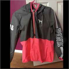 pink windbreaker great condition its new just worn once ! Pink Outfits, Outfits For Teens, Fall Outfits, Casual Outfits, Cute Outfits, Victoria Secret Outfits, Victoria Secret Pink, Pop Fashion, Fashion Outfits