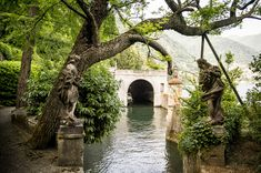 Villa Pizzo: the Villa is a perfect example of architectural beauty and you feel that Italian history and culture are all around you. Lake Como Villas, Comer See, Lake Como Italy, Italian Garden, Holiday Destinations, Brooklyn Bridge, Vacation Spots, Wedding Planner, Architecture