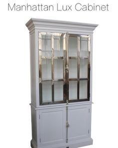 """NYTT DESIGN i vår lekre """"Manhattan Collection"""" fra #Classicliving Lekkert hvitt vitrineskap med stål sprosser. Dette skapet er et blikkfang med flotte detaljer.. Kommer også i sort med stål.  Mål: Høyde:  220 cm  Bredde: 120 cm  Dybde:  45 cm  Se http://ift.tt/1UdJ1or for mer informasjon  #classicliving  #skap #homedesign #house #furnitures #møbler #interiør #interior #furniture #home #design #vakrehjemoginteriør #housestyling #homestyling #classy  #vakrehjem #nordiskehjem #nordicinspiration…"""