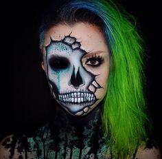 Cracked ✖️ Used cupcakes & monsters palette, paradise… # Make Up Fx Makeup, Skull Makeup, Clown Makeup, Costume Makeup, Face Paint Makeup, Amazing Halloween Makeup, Halloween Makeup Looks, Halloween Kostüm, Monster Makeup
