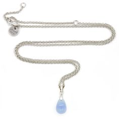 Happy tear ketting baby blue opal from Applepiepieces. Op #bluemonday komt deze prachtige blue opal Happy tear van #applepiepieces heel goed van pas....i love it!