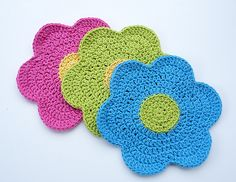 Flower Power Dishcloth is made using worsted weight 100% cotton yarn and size H (5.00mm) crochet hook.