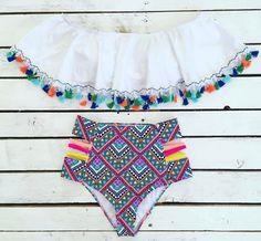 """558 Me gusta, 7 comentarios - MuyMuy Mexicano® (@muymuymex) en Instagram: """"Increíble traje de baño de borlas de @coco_flamingo  #HechoenMéxico #MuyMuyMexicano…"""""""