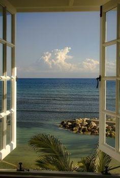 Naklejka na Ścianę Patrząc na Oceanie