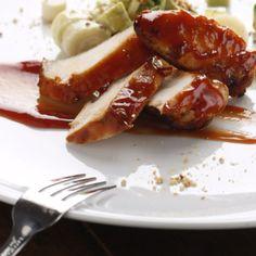 Pollo con salsa BBQ casera y ensalada de Palta con Palmitos | Virginia Demaria