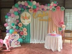 Awesome Balloon Decorations for Baby Shower Unicorn Themed Birthday Party, 1st Birthday Girls, Unicorn Party, First Birthday Parties, Birthday Ideas, Balloon Garland, Balloon Decorations, Birthday Party Decorations, Balloons