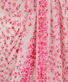 Wedding elegant pink ivory ideas for 2019 Embroidery Saree, Embroidery Fashion, Wedding Planning List, Crepe Saree, Simple Sarees, Top Wedding Dresses, Indian Heritage, Elegant Saree, Buy Fabric