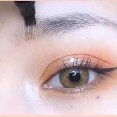 Eye Makeup Designs, Eye Makeup Art, Eye Art, Eyebrow Makeup, Makeup Eyes, Beauty Makeup, Eyeliner For Hooded Eyes, Hooded Eye Makeup, Backstage Make Up